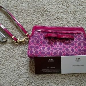 'Coach' PhoneWristlet